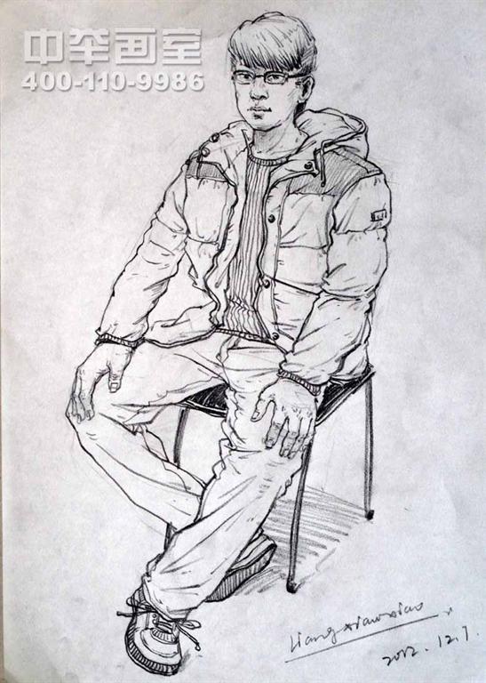 男青年速写坐姿 彭壮壮