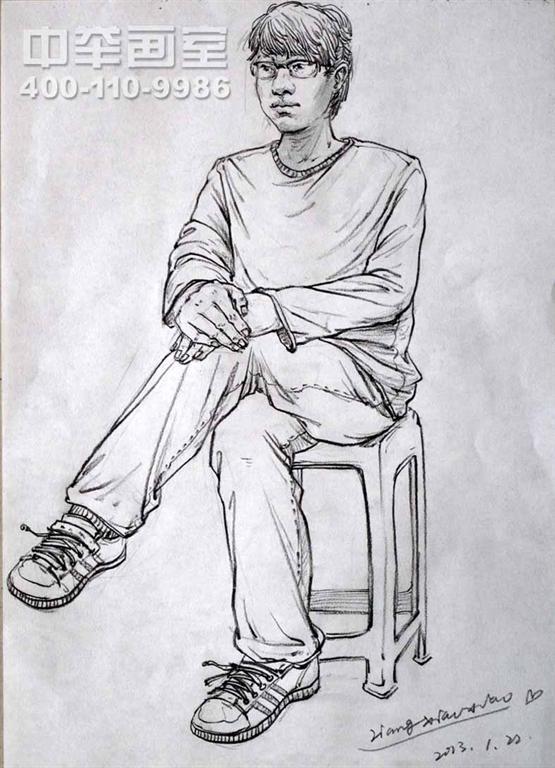 男青年速写坐姿双手敷膝盖 彭壮壮